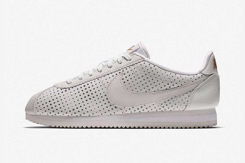 Nike Beautiful x Powerful x Elaine Thompson — Nike Cortez Classic Premium QS — dámské tenisky — boty — sneakers — bílé