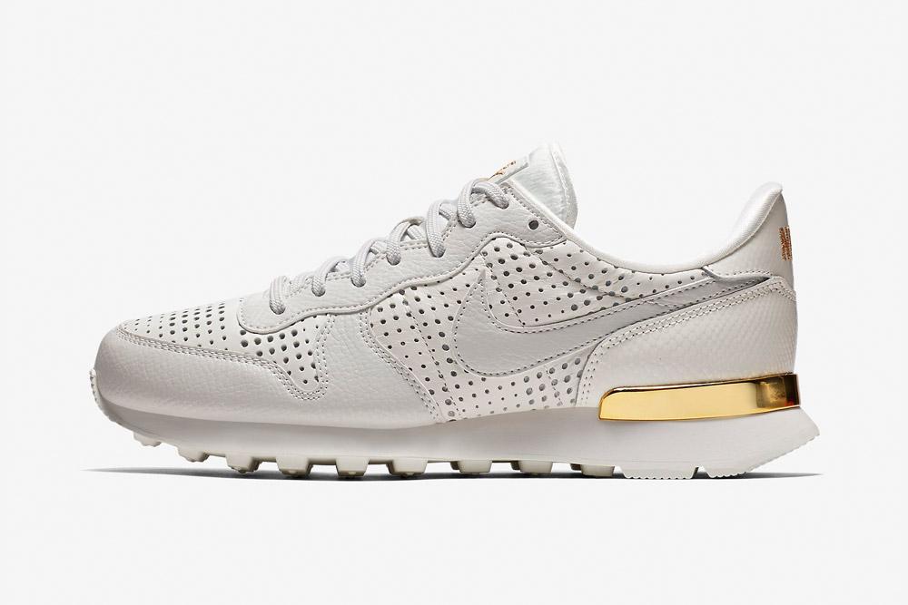 Nike Beautiful x Powerful x Elaine Thompson — Nike Internationalist Premium QS — dámské tenisky — boty — sneakers — bílé