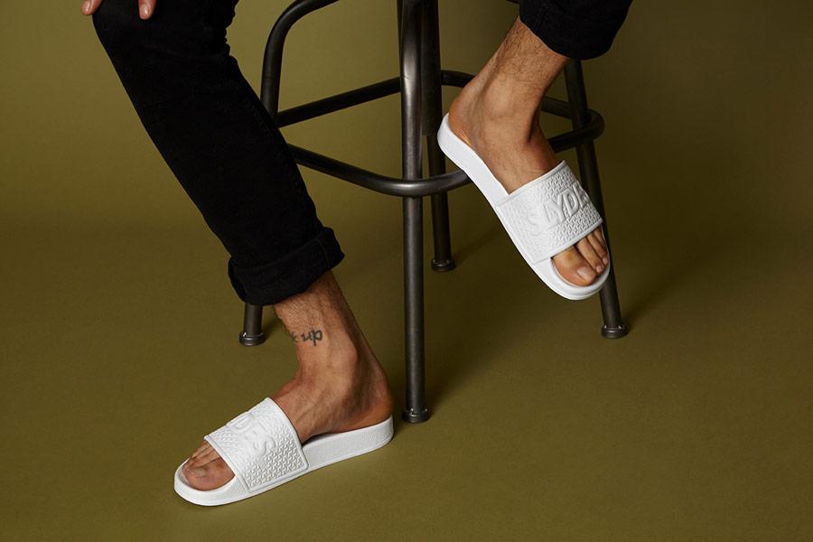 Slydes — letní pantofle — bílé — pánské, dámské — nazouváky (slides)