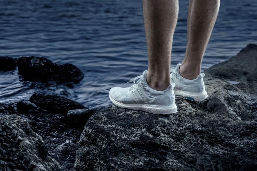 adidas UltraBOOST Parley — běžecké boty — recyklované — světle modré
