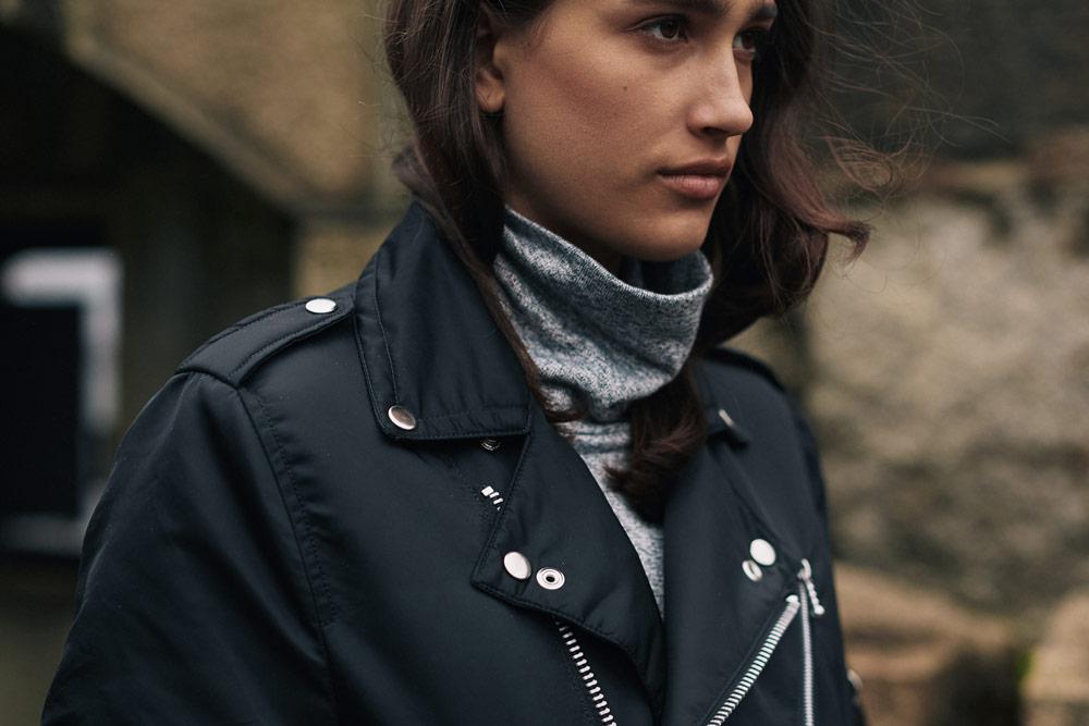 Alpha Industries — dámská podzimní černá bunda se stříbrnými druky