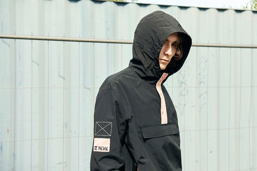 Champion x Wood Wood — pánský overal s kapucí — černý — bunda přes hlavu
