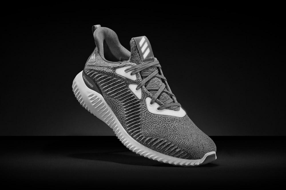 adidas alphabounce Reflective Silver — reflexní tenisky — běžecké boty — sneakers — running shoes — pánské, dámské — šedé