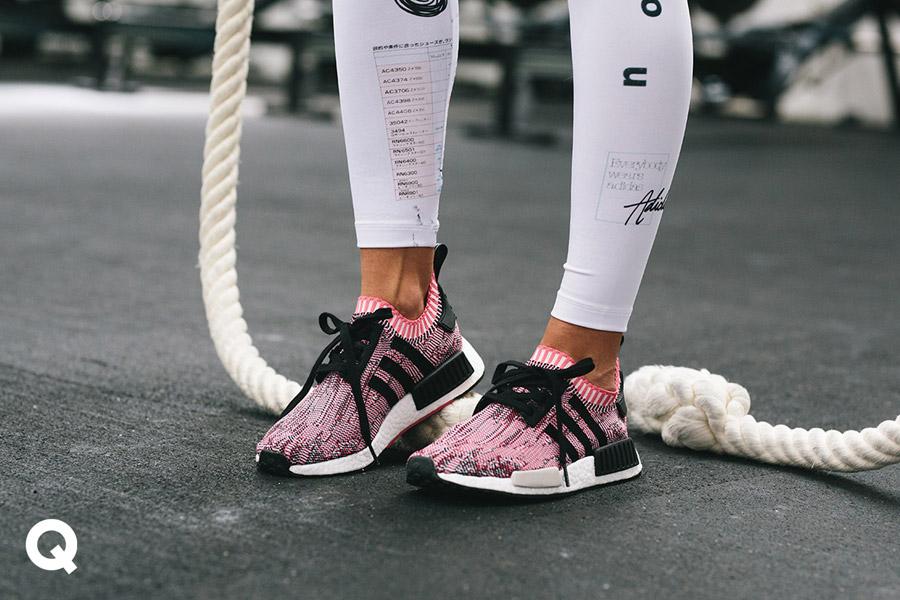 Queens x Kamila Pavlíčková — lookbook — CrossFit — dámské růžové boty adidas NMD_R1 PK
