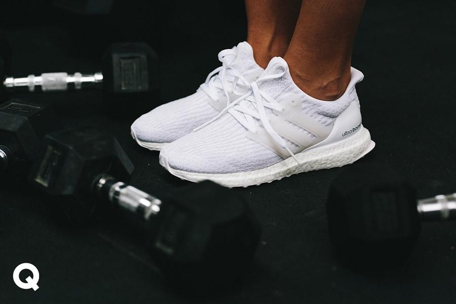 Queens x Kamila Pavlíčková — lookbook — CrossFit — bílé boty adidas UltraBOOST — dámské