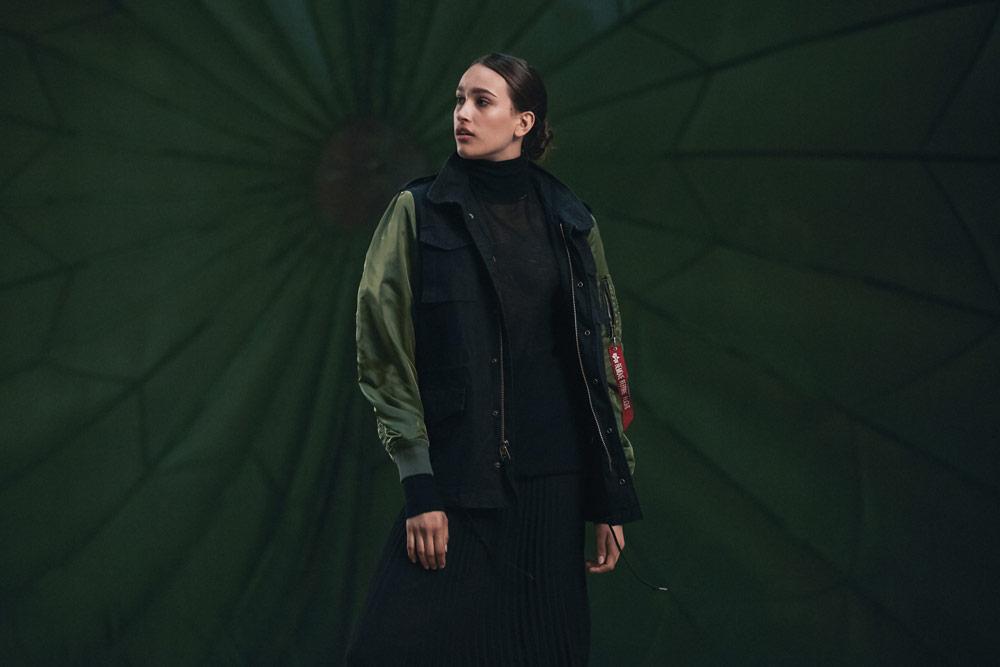 Alpha Industries — dámská bunda bez kapuce (army jacket) — modro-zelená