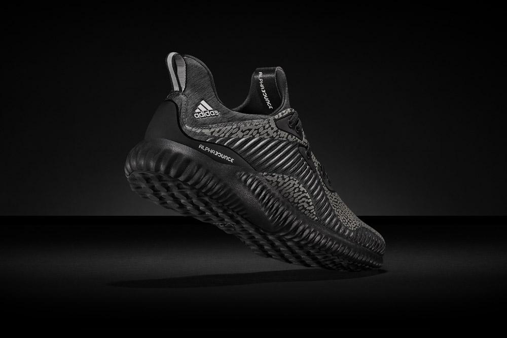 adidas alphabounce Reflective Black — reflexní tenisky — běžecké boty — sneakers — running shoes — pánské, dámské — černé