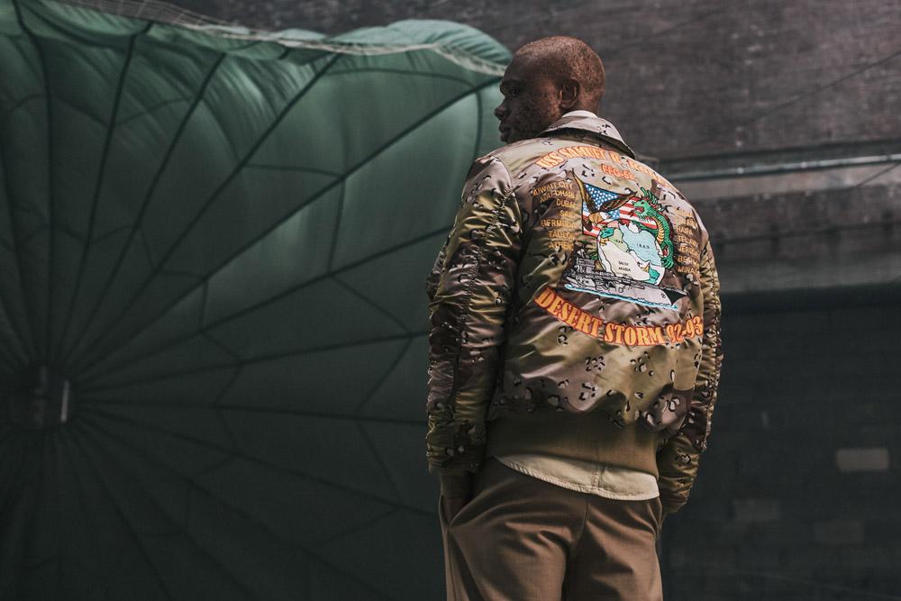 Alpha Industries — pánský bomber s výšivkou na zádech — hnědý — men bomber jacket with embroidery