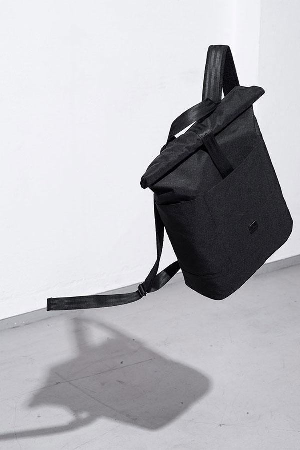 Ucon Acrobatics — černý batoh z PET lahví — Hajo Backpack — nepromokavý — série Stealth