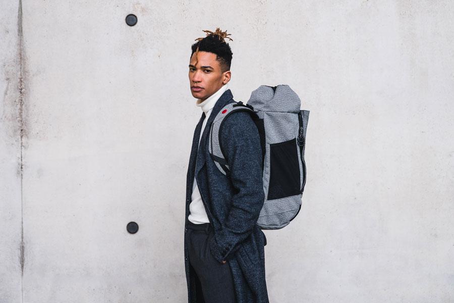 Pinqponq — Blok Rucksack — šedý recyklovaný batoh z PET — grey recycled backpack — sustainable