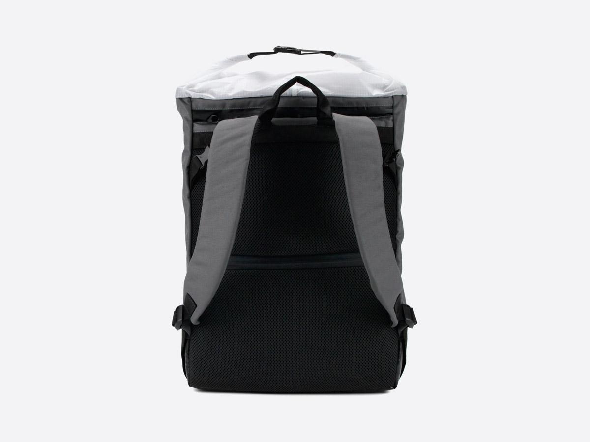 We Are Able — Neustadt Grey — batoh — nepromokavý — zadní pohled