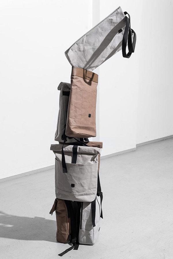Ucon Acrobatics — šedé a hnědé krémové batohy — nepromokavé — série Paper