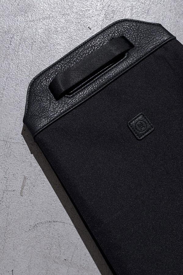 Ucon Acrobatics — černý batoh z recyklovaných PET lahví — Calina Backpack — nepromokavý — série Stealth
