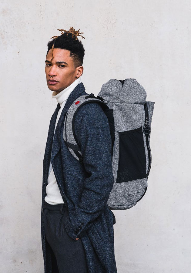 Pinqponq — Blok Rucksack — šedý recyklovaný batoh z PET — grey recycled backpack — sustainable