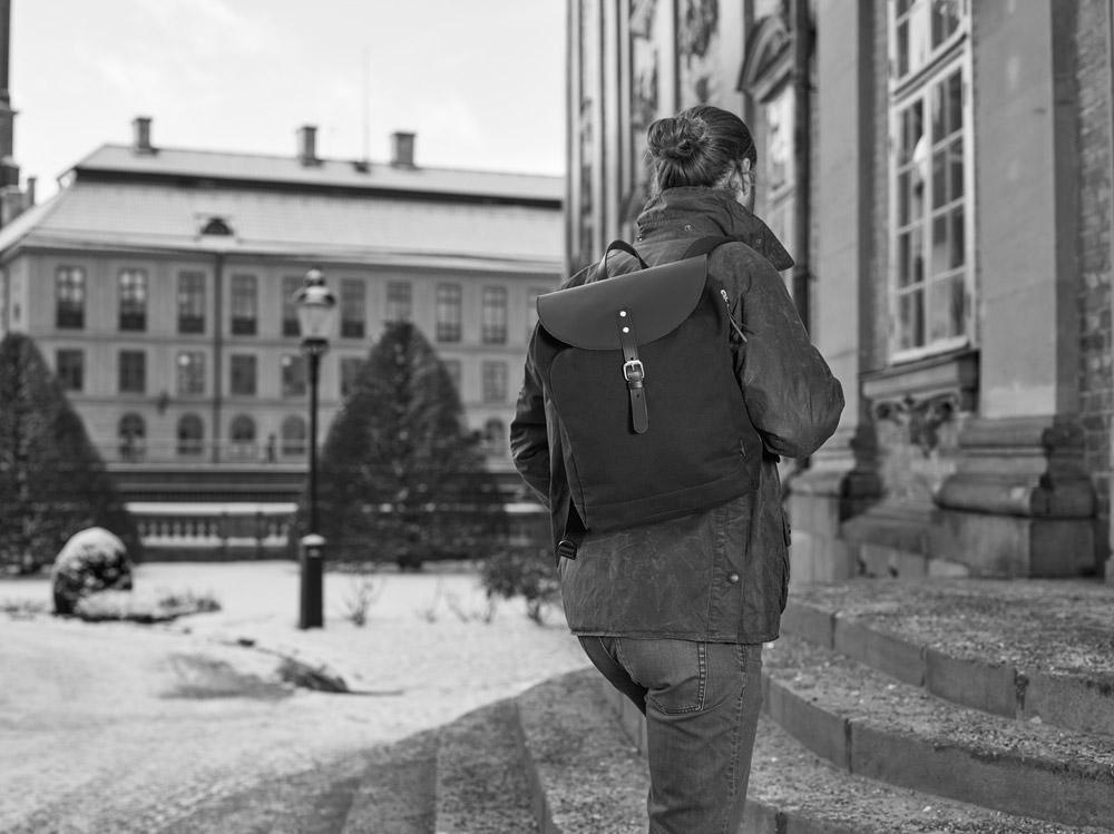 Enter — Kebnekaise Backpack Lite — černý městský batoh — aktovka