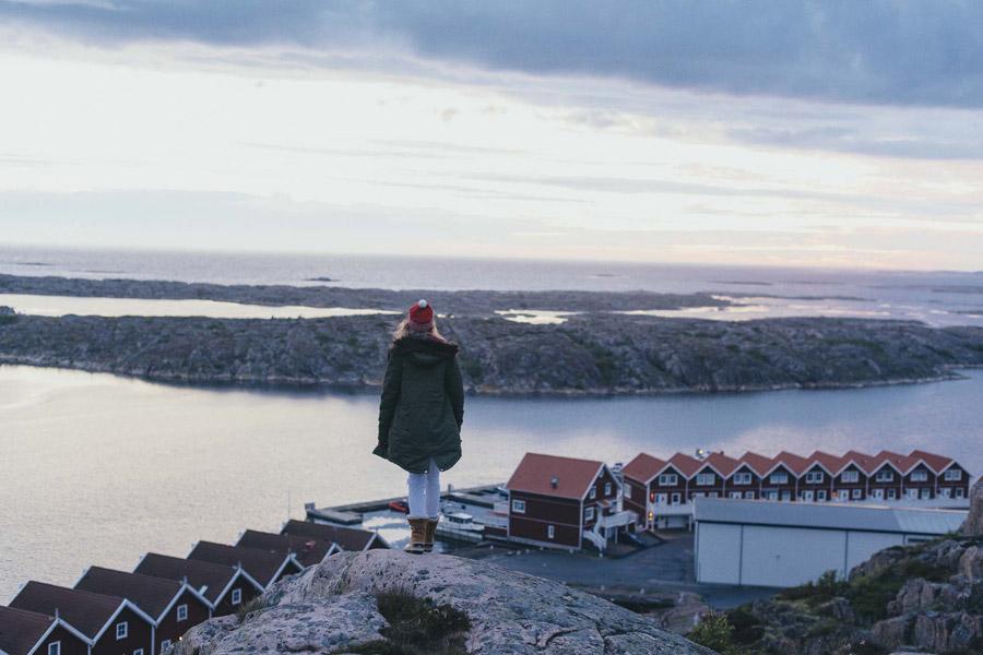 Femi Stories — zelená parka s kapucí — dlouhá zimní bunda — dámská