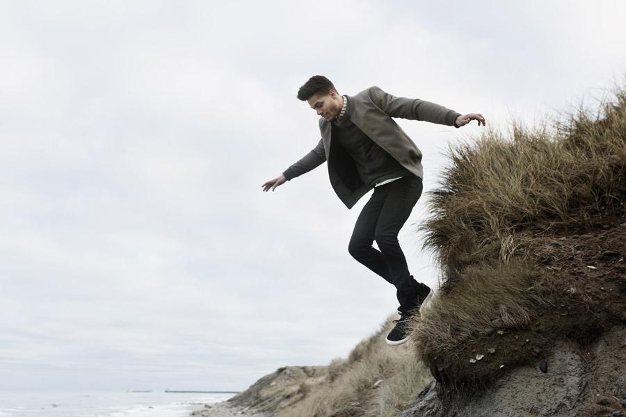 RVLT — pánská šedá bunda černé skinny fit kalhoty — men's fall grey bomber jacket, skinny fit black pants — Revolution