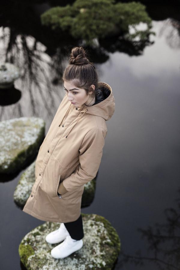 Selfhood — dámská parka s kapucí — dlouhá zimní bunda — béžová, hnědá, písková — podzimní/zimní — women's beige jacket, parka