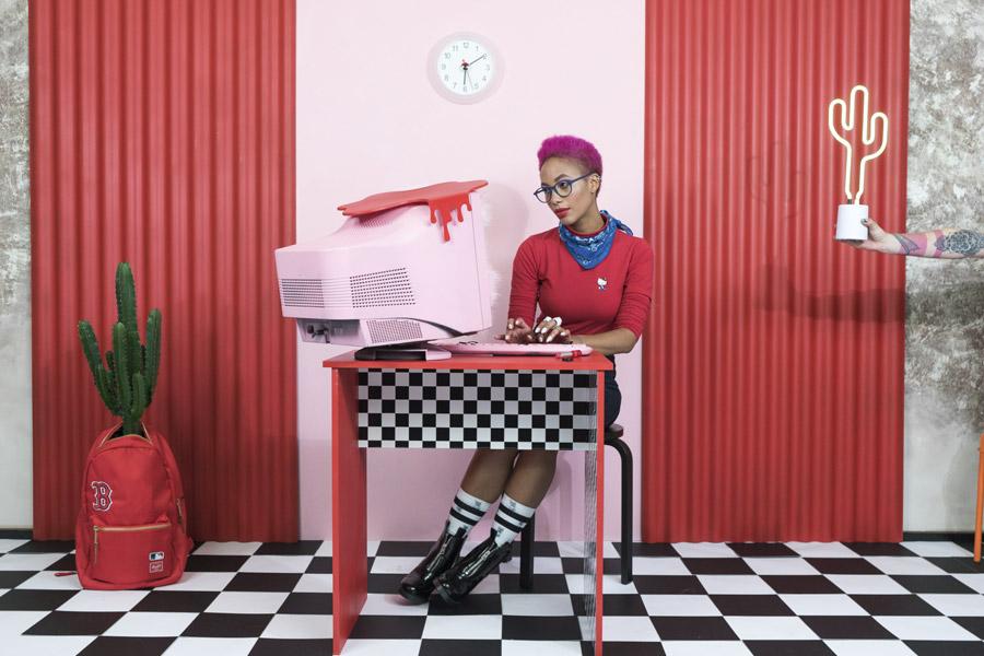 Freshlabels — Surreal — lookbook — podzim/zima 2017 — podzim/zima 2017 — dámský rolák Lazy Oaf — Hello Kitty Skivvy — dámské vysoké černé boty s podpatkem Cheap Monday Block