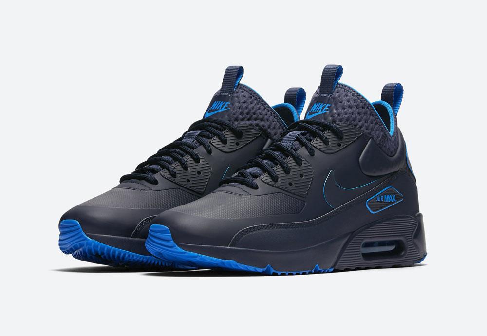 Nike Air Max 90 Ultra Mid Winter SE — pánské zimní boty — černé, modré detaily — tenisky — Airmaxy — men's winter sneakers — black, blue details
