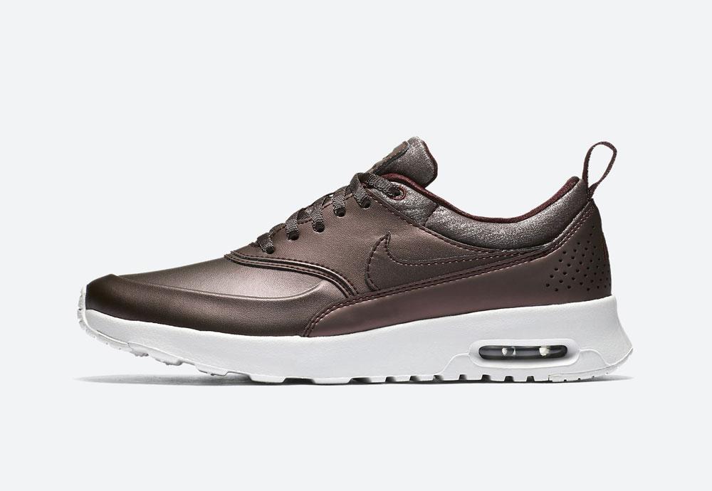 Nike Air Max Thea Premium Metallic — dámské boty — tenisky — metalické — mahagonové, tmavě hnědé — women's metallic field sneakers