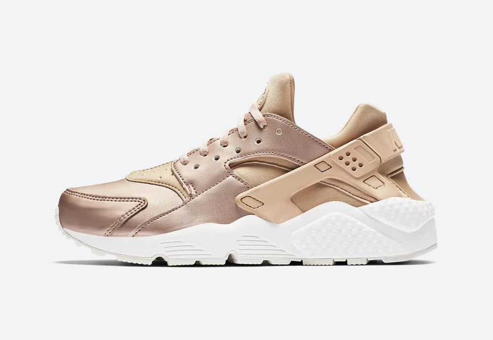 Nike Air Huarache Premium Metallic — dámské boty — tenisky — metalické — bronzové — women's metallic red bronze sneakers