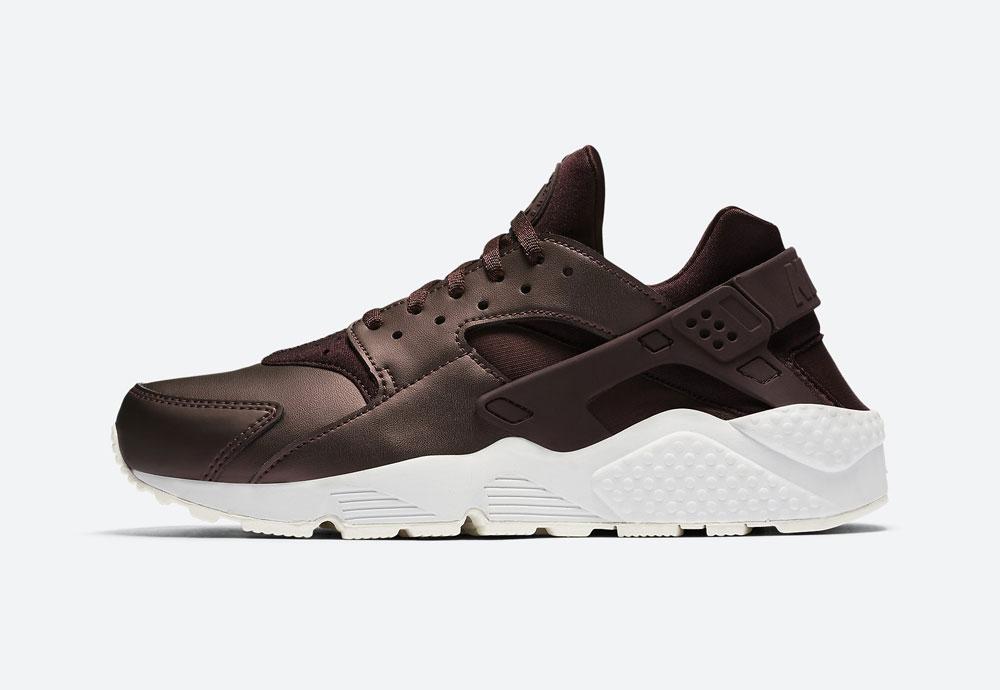 Nike Air Huarache Premium Metallic — dámské boty — tenisky — metalické — mahagonové, tmavě hnědé — women's metallic field sneakers