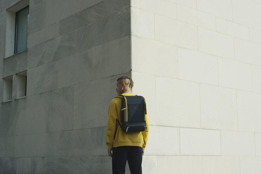 Pinqponq — Cubik — Changeant — batoh recyklovaný z PET lahví — tmavě modrý — dark blue PET recycled backpack