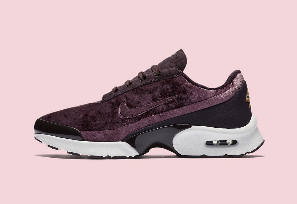 Nike Air Max Jewell Premium Velvet — dámské boty — tenisky — sametové, plyšové — bordó červené, vínové — vine red women's sneakers, velvet shoes