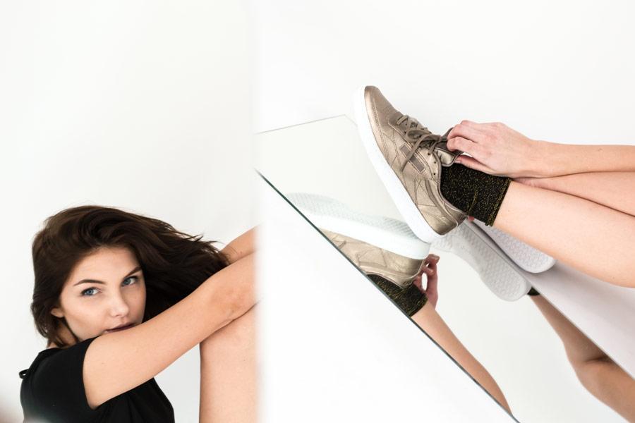 Queens x Petra Mácová — lookbook — Reebok Club C 85 Melted Metal (Pearl Met, Grey Gold) — zlaté tenisky — dámské boty — metalické — women's metallic gold sneakers