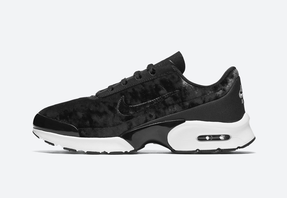 Nike Air Max Jewell Premium Velvet — dámské boty — tenisky — sametové, plyšové — černé — black women's sneakers, velvet shoes