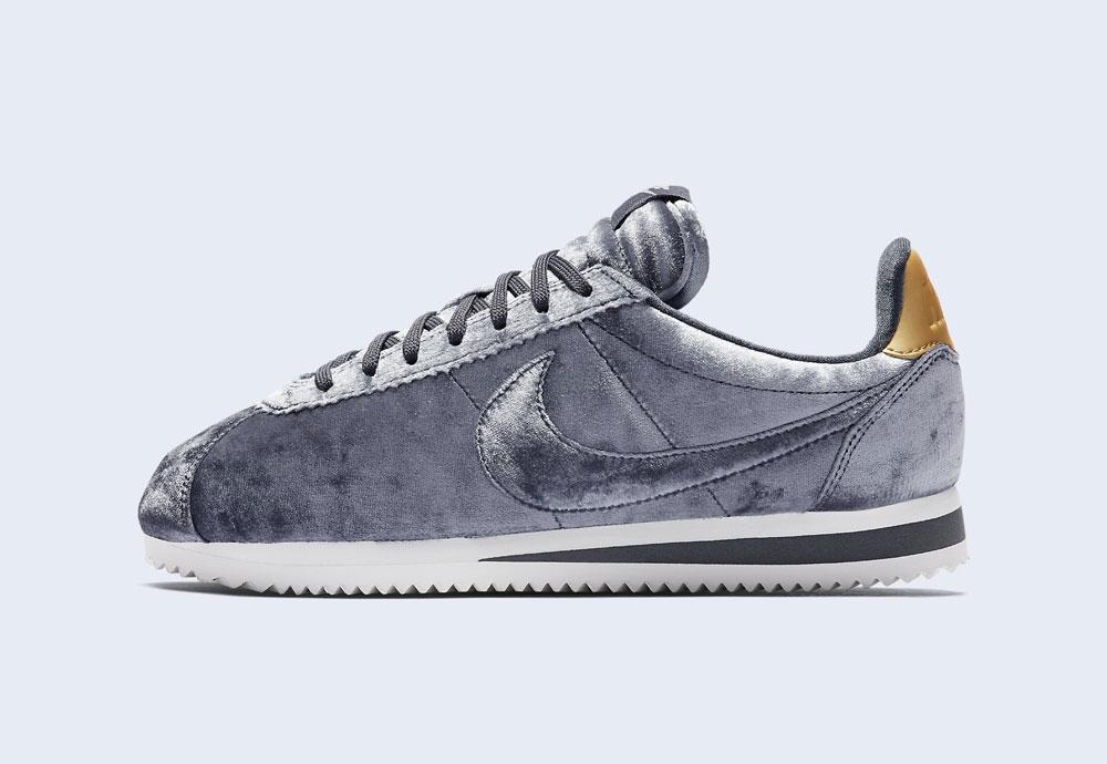 Nike Classic Cortez Velvet — dámské boty — tenisky — sametové, plyšové — ocelově šedé — light grey women's sneakers, velvet shoes