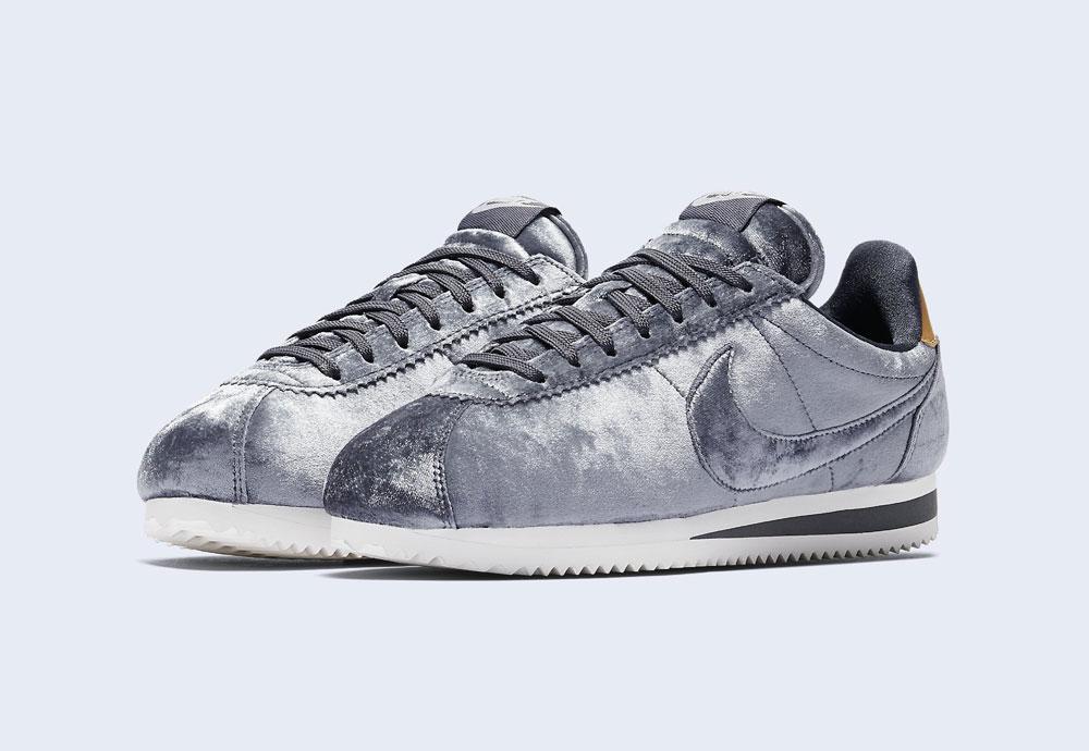 Nike Classic Cortez Velvet — dámské tenisky — boty — sametové, plyšové — ocelově šedé — light grey women's sneakers, velvet shoes