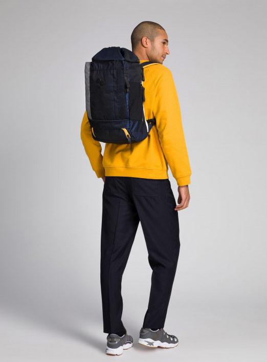 Pinqponq — Blok — Changeant — batoh recyklovaný z PET lahví — tmavě modrý — dark blue PET recycled backpack