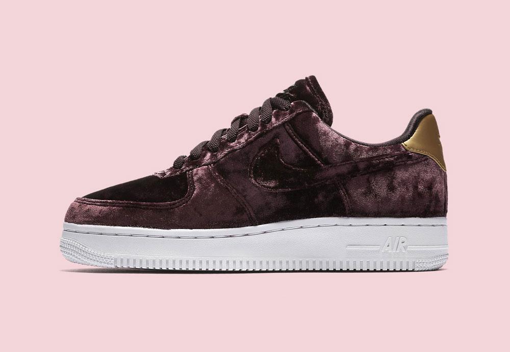Nike Air Force 1 '07 Low Velvet — dámské boty — tenisky — sametové, plyšové — bordó červené, vínové — vine red women's sneakers, velvet shoes