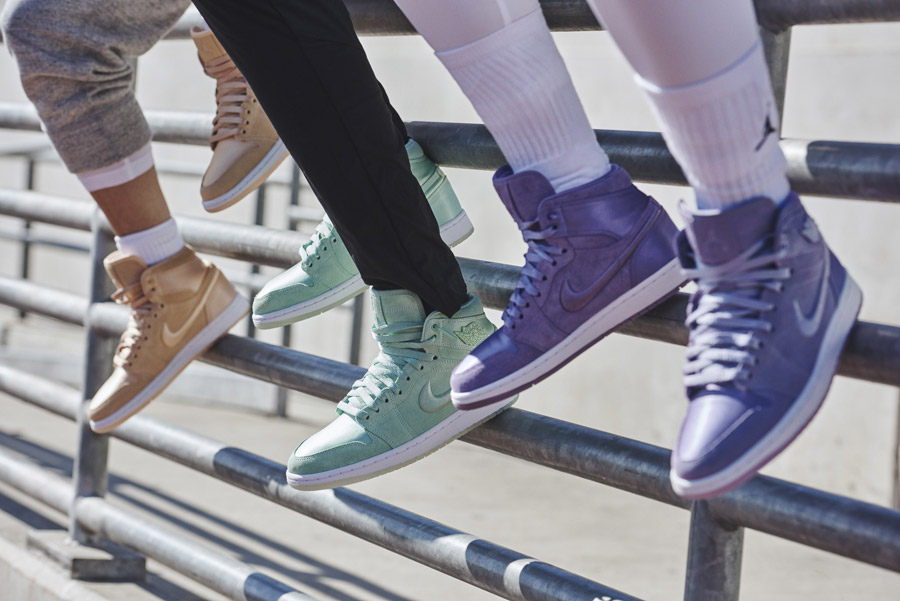 Nike Air Jordan 1 Retro High — dámské kotníkové boty — tenisky — barevné — women's sneakers — color
