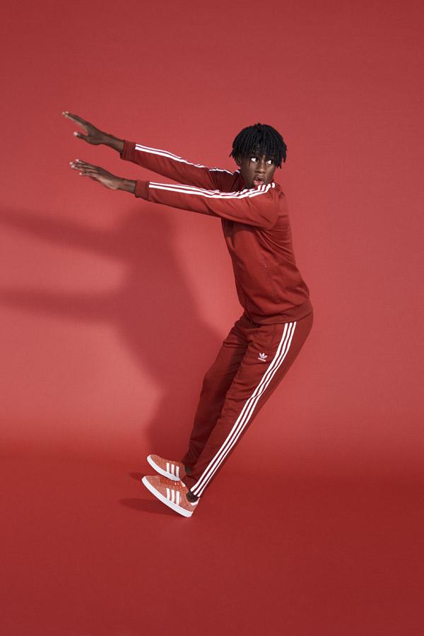 adidas Originals adicolor — pánská červená sportovní bunda — pánské červené tepláky — červené tenisky Campus — sportovní oblečení — jaro/léto 2018 — spring/summer — sportswear
