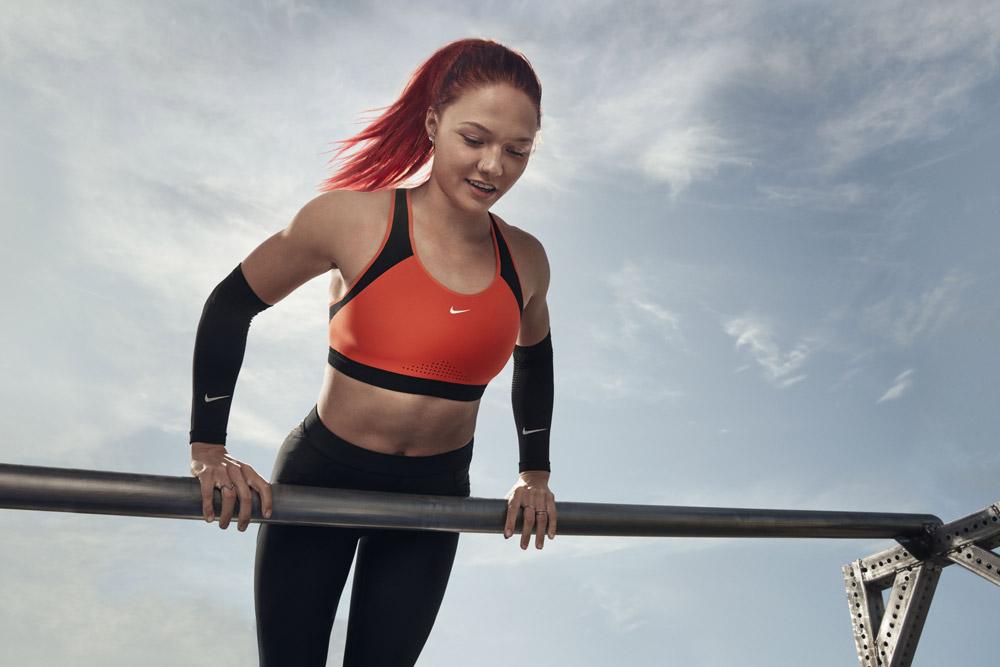 Nike — sportovní podprsenka — adaptivní — oranžová — sports adaptive bra