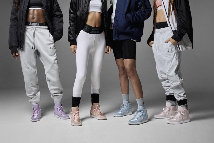 Nike Air Jordan 1 Retro High — kotníkové boty — dámské tenisky — barevné — women's sneakers — color