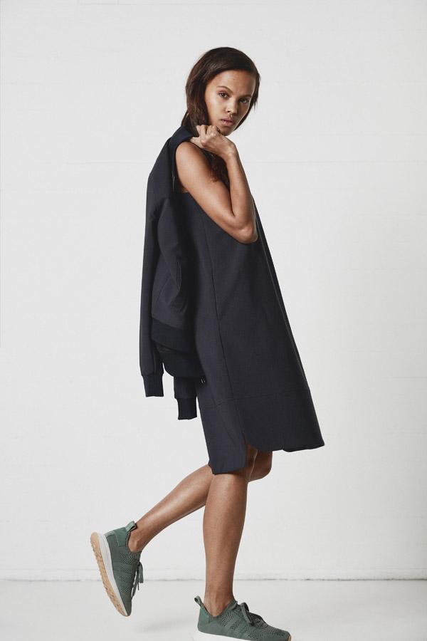 Makia — dámské modré jarní šaty po kolena — jaro 2018 — dámské oblečení