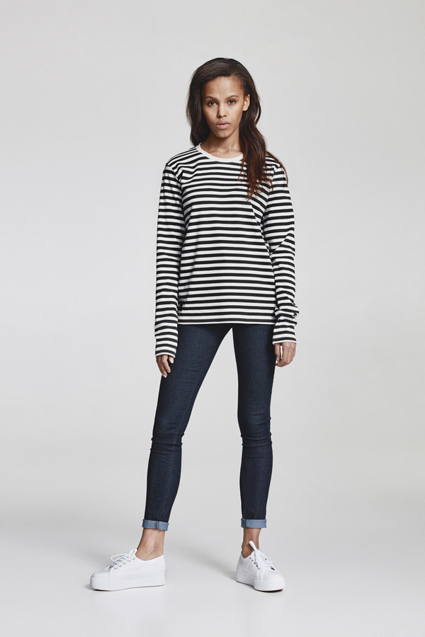 Makia — dámské proužkované tričko s dlouhým rukávem — bílo-modré — jaro 2018 — dámské oblečení