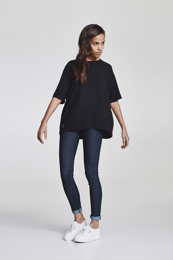 Makia — dámské overzised tričko — černé — jaro 2018 — dámské oblečení