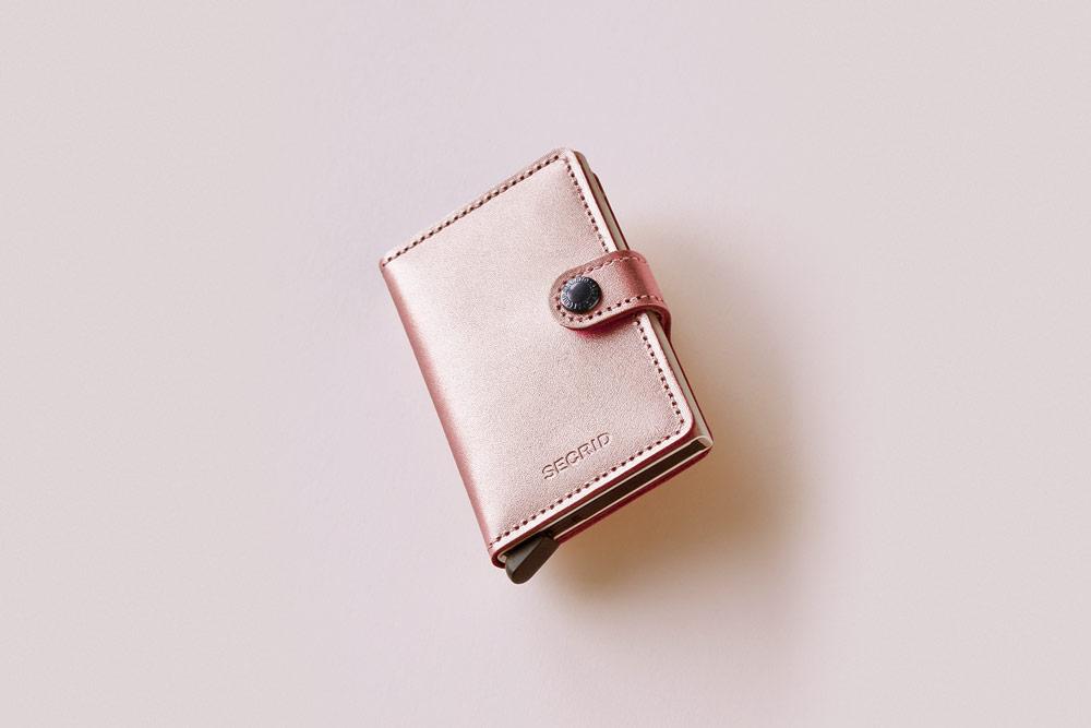 Secrid — bezpečnostní kožená peněženka s ochranou RFID platebních karet — metalická růžová — dámská — RFID cards safety wallet