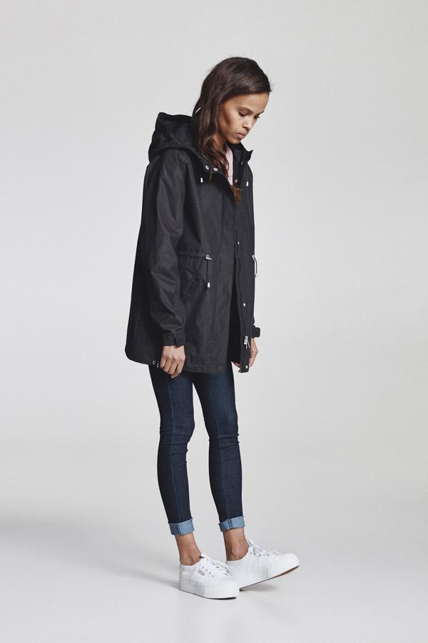 Makia — dámská parka s kapucí — delší jarní bunda — černá — jaro 2018 — dámské oblečení