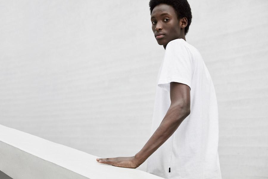 Makia — pánské bílé tričko — jaro 2018 — pánské oblečení