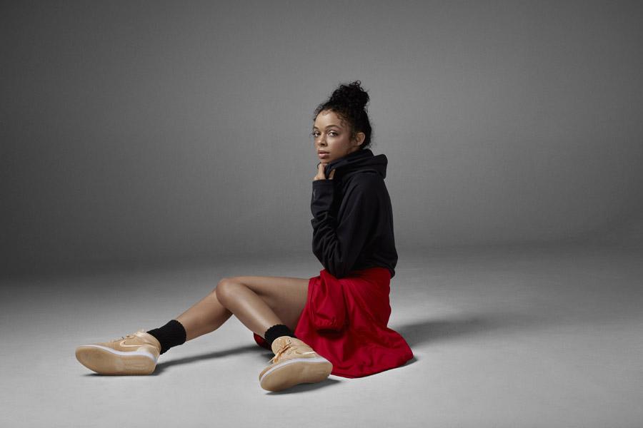 Nike Air Jordan 1 Retro High — dámské kotníkové boty — tenisky — béžové, pískové — women's sneakers — beige, sand