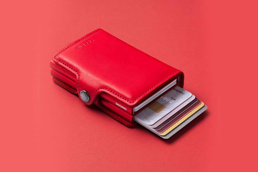 Secrid — bezpečnostní kožená peněženka s ochranou RFID platebních karet — červená — dámská — RFID cards safety wallet