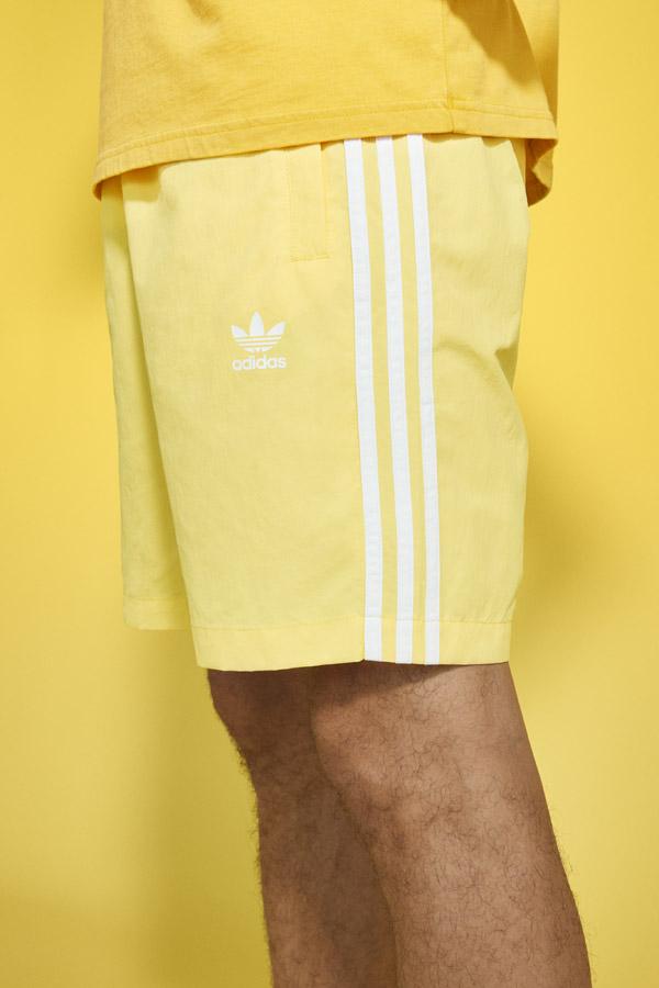 adidas Originals adicolor — pánské žluté šortky — yellow men's shorts — sportovní oblečení — jaro/léto 2018 — spring/summer — sportswear