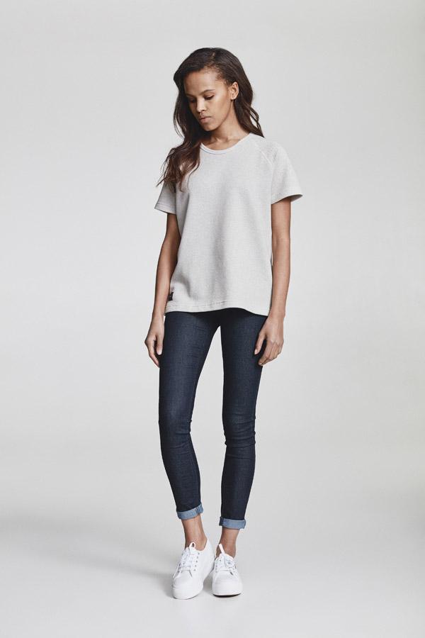 Makia — dámské tričko — smetanově bílé — jaro 2018 — dámské oblečení