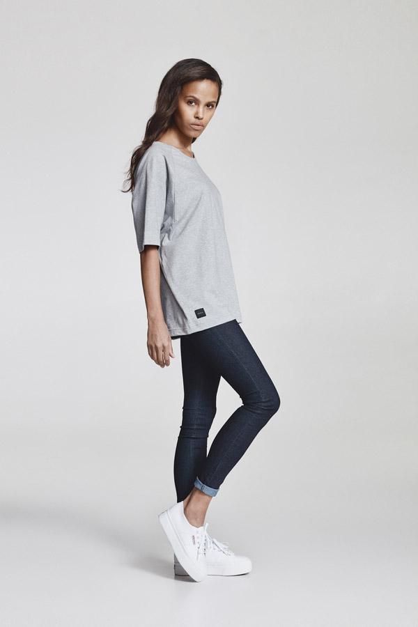 Makia — dámské šedé oversized tričko — jaro 2018 — dámské oblečení